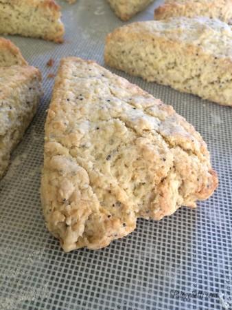 baked lemon poppy seed scone2