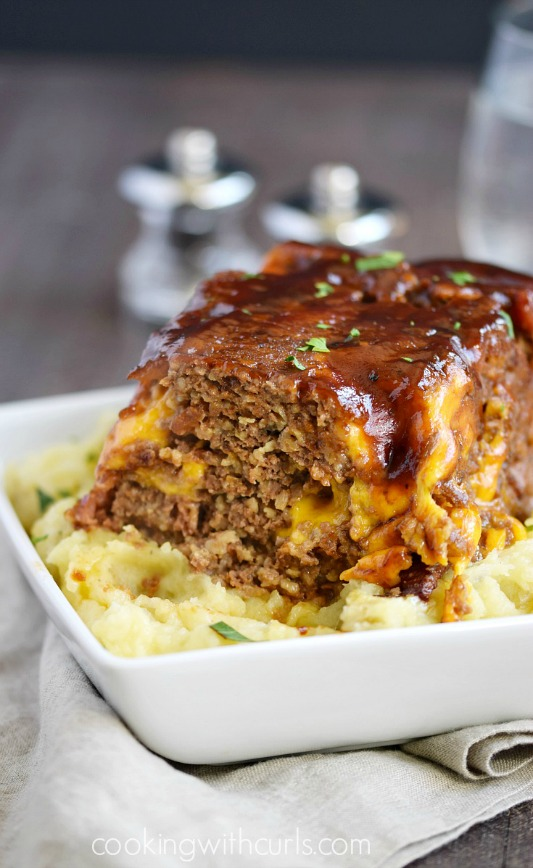 Instant-Pot-Bacon-Cheeseburger-Meatloaf-with-creamy-Mashed-Potatoes-cookingwithcurls.com_