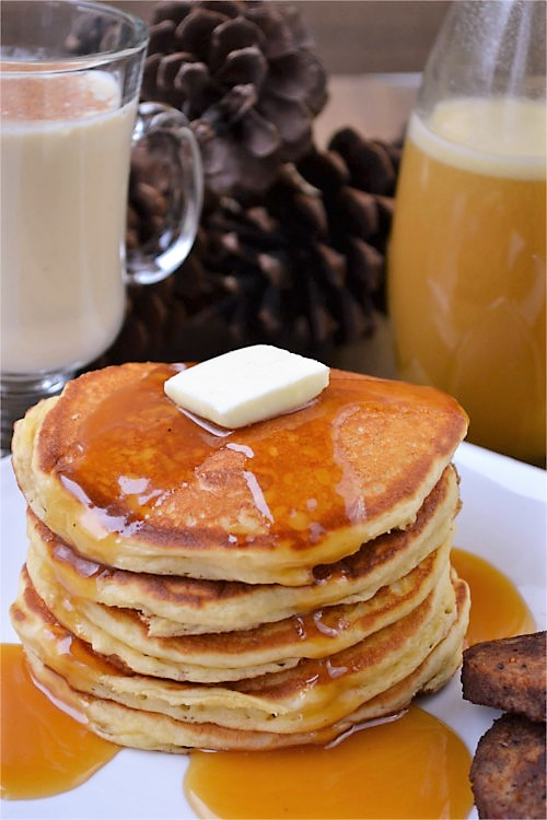 Simple Eggnog-Syrup- and Pancakes from Fluster Buster